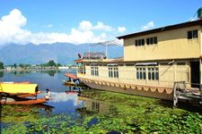 Charismatic Kashmir 5 Nights Package - Deluxe
