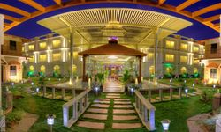 Jal Mahal Resort And Spa With Breakfast