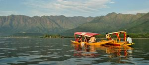 Amazing Kashmir 6 Nights 7 Days - Budget
