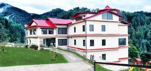 Shimla Havens Resort With Breakfast and Dinner