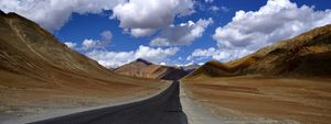Ladakh-Top of the World Semi Luxury Package