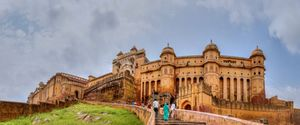 2Nights Jaipur - 1Night Ajmer / Pushkar - 2Nights Udaipur